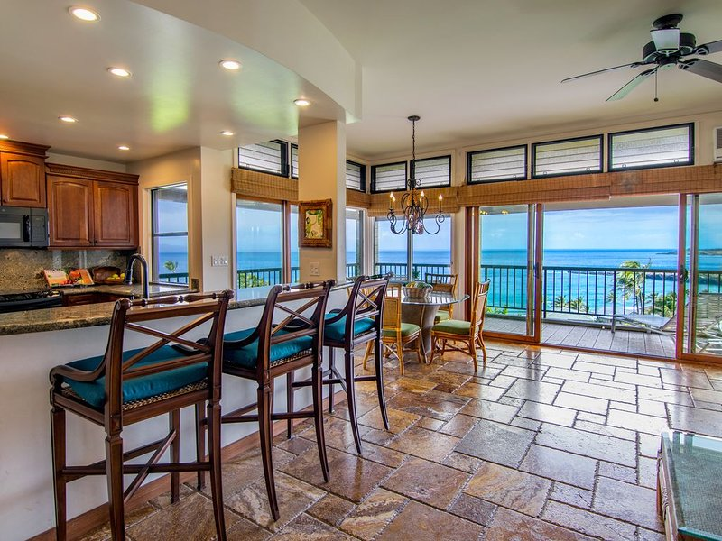 Forever Ocean Views. Best Deal on Maui - Lowered Rates!!, alquiler de vacaciones en Kapalua