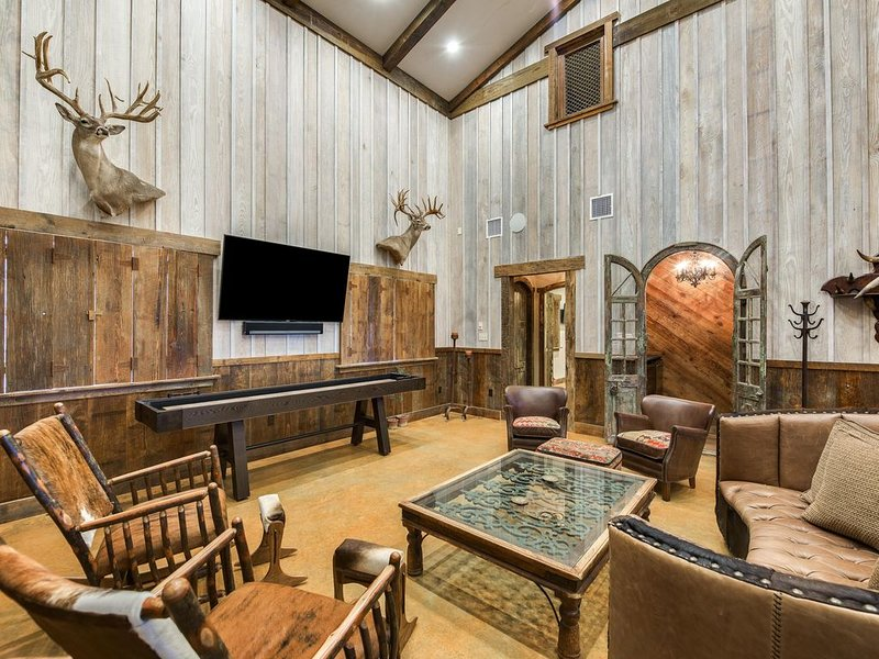 Magnificent Hill Country Experience, holiday rental in Harper