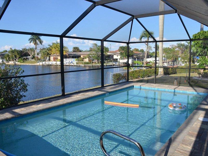 NEW! Recent Renovation w/ New Pool & Spacious 4 BR/3BA in Popular Yacht Club, location de vacances à Cape Coral