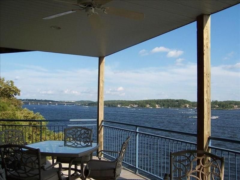 Palisades Point- Sanctuary of Seclusion! High-end Condo with Million Dollar View, vacation rental in Lake Ozark