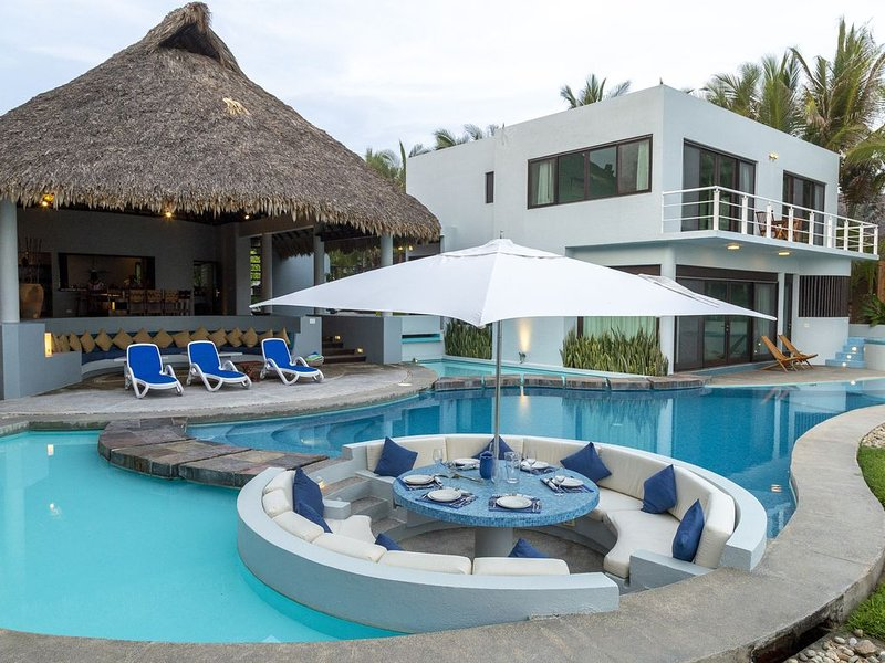 Casa De Los Sueños--Private Luxurious Resort Right on the Ocean, vacation rental in Puerto Escondido