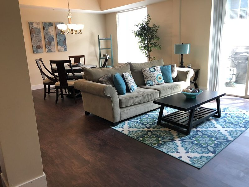 Updated Condo Near Beaches, Downtown, Restaurants, and Shops, holiday rental in Grand Haven