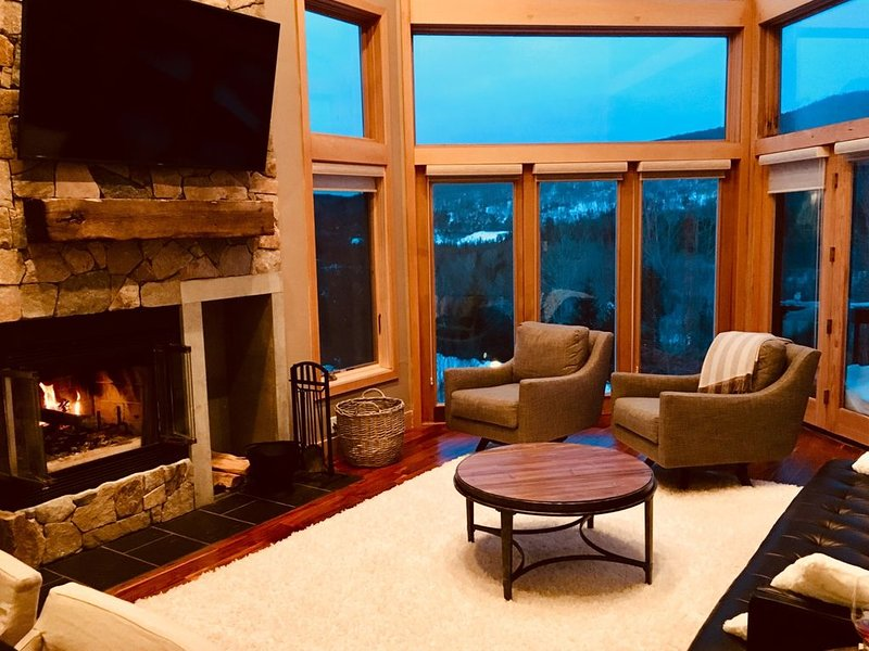 Incredible views of Mt. Washington in newly renovated 5 bedroom home, slopeside, holiday rental in Whitefield
