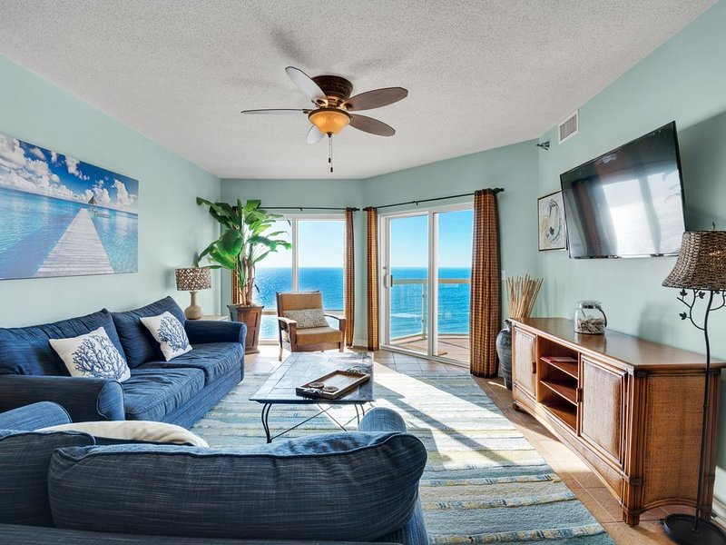 Living Area with beach view an 55 inch Roku TV