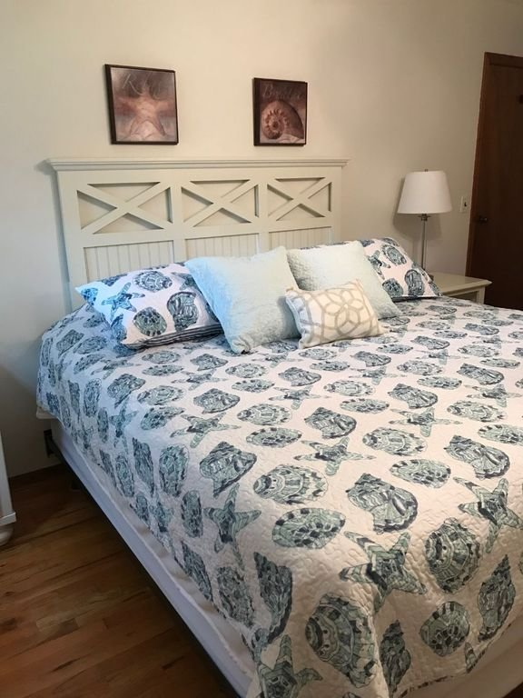 Dormitorio trasero con cama King Size