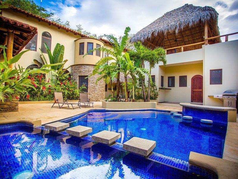 Prive zwembad en patio met een swim-up bar aan de grill!