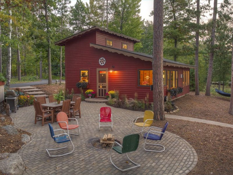 Classic Minnesota Cabin on Beautiful Lake O'Brien - Includes Pontoon Boat, casa vacanza a Outing