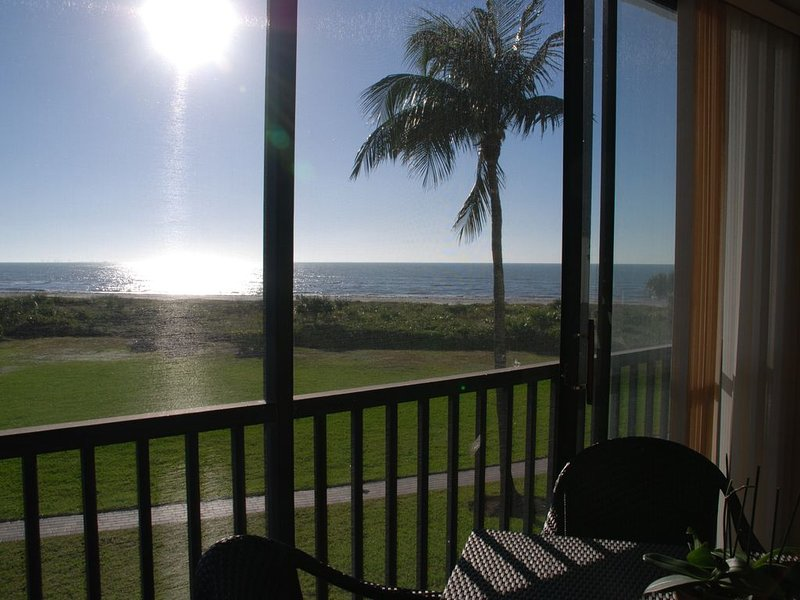 Comfortable Loggerhead Cay Condo with Terrific Gulf View, vacation rental in Sanibel
