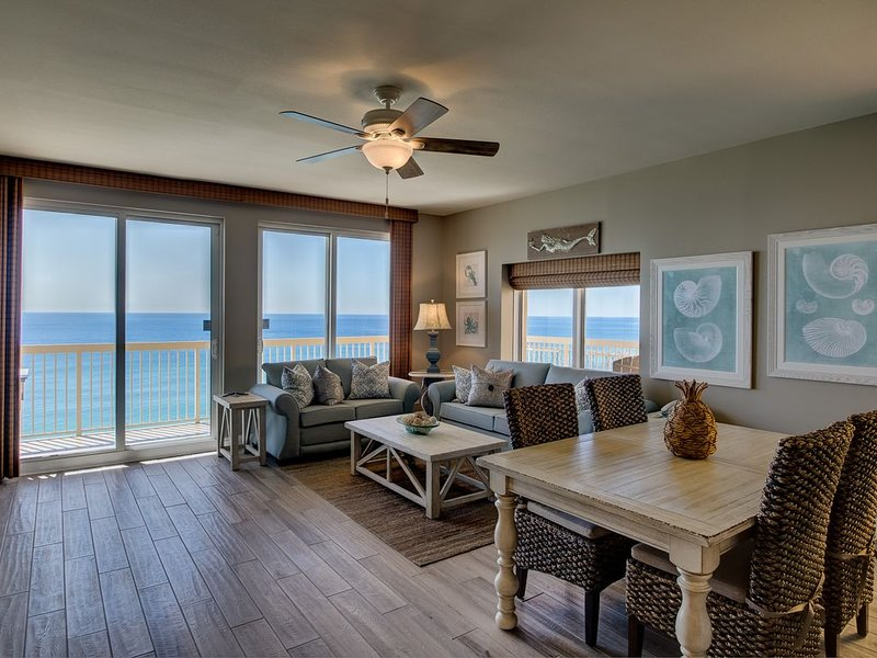 SuperClean 2 Kings Corner 2 VIP Parking spots, 4 Beach Chairs, Lots of Upgrades, holiday rental in Panama City Beach