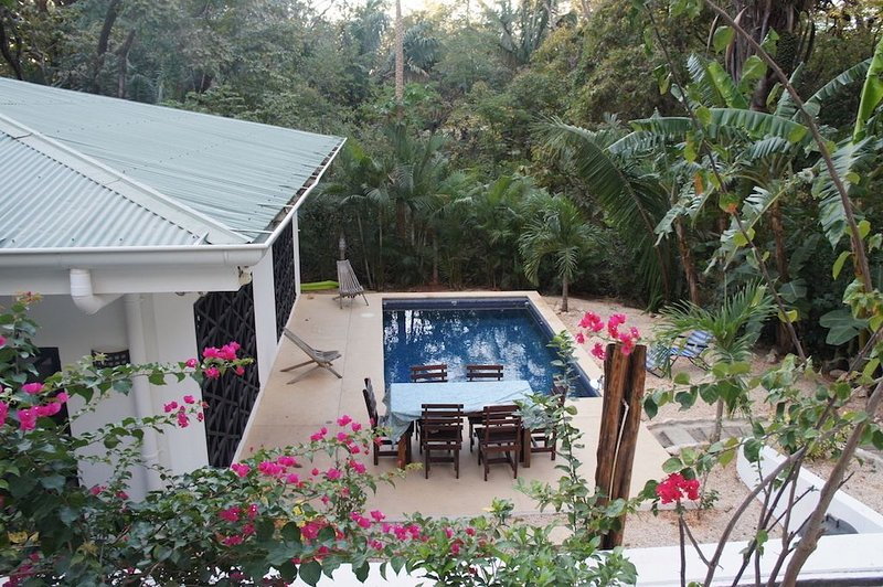 perfect for families- Casa Los Monos: Beautiful 2 Bedroom Vacation Rental., vacation rental in Playa Pelada