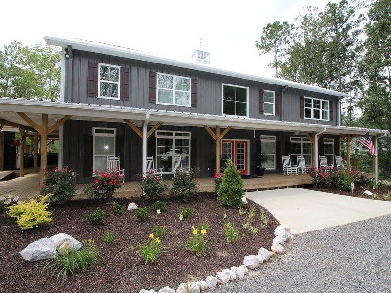Now Open For 2022 Summer Bookings!, casa vacanza a Cedar Bluff