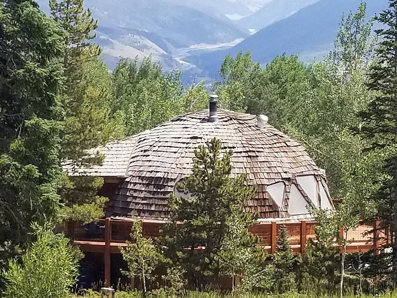 Geodesic Dome cabin at 9,200 feet on Buffalo Mountain!, alquiler de vacaciones en Silverthorne