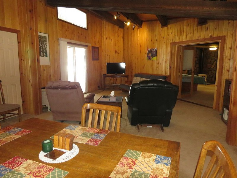 Pet-friendly duplex on 10 acres near Pagosa Springs., holiday rental in Pagosa Springs