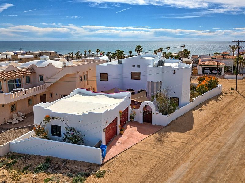 Beautiful beach home in Rocky Point Mexico with incredible views., location de vacances à Puerto Penasco