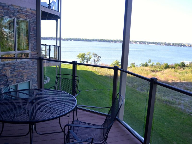 Lake-View Condo For Rent with Boji Splash!!  (#202), vacation rental in Iowa