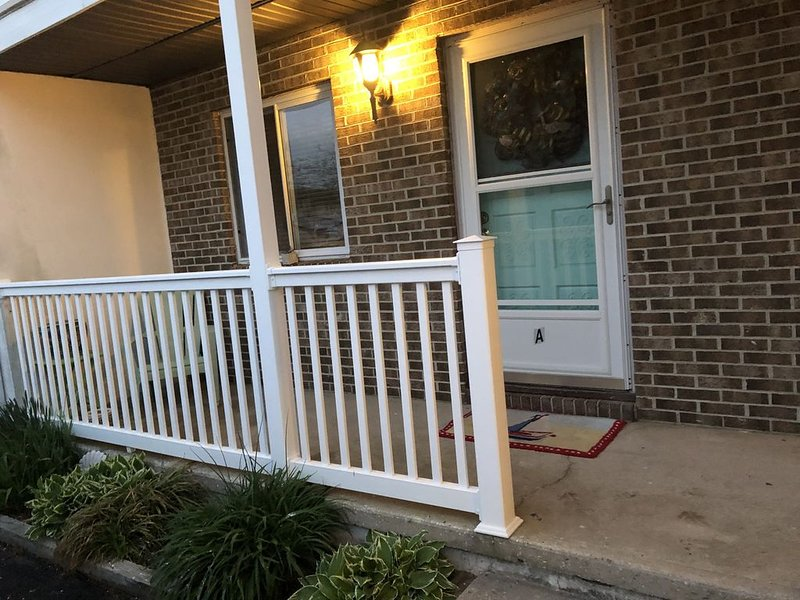 New remodeled!'Very Quiet,Spacious, 2 Bedroom,  comes area,2fullbath !!, alquiler de vacaciones en Ocean City
