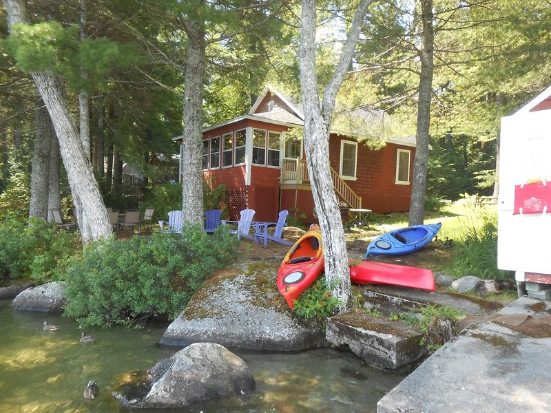 Camp Bud- Boating and Fishing on Beech Hill Pond close to Acadia LOW FALL RATES, location de vacances à Bradley