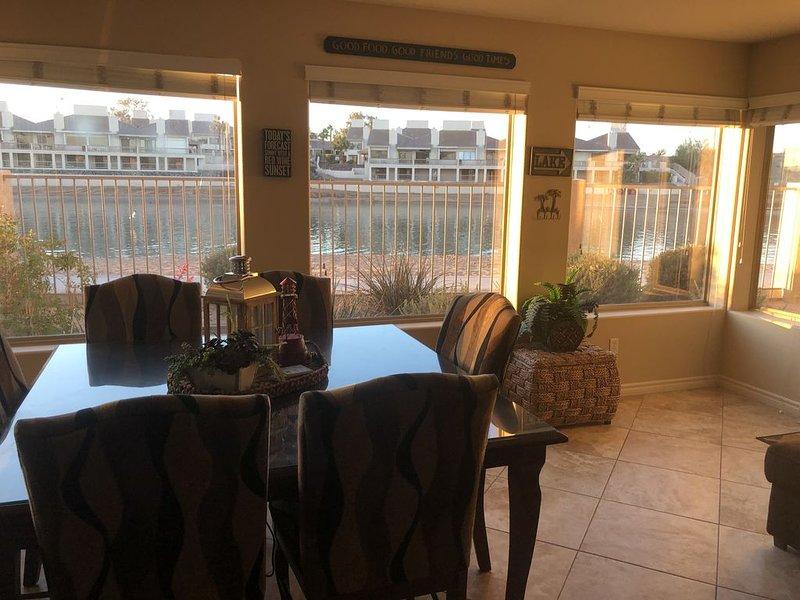 Kings View #106 BEACH LEVEL Water Front Condo 5 Star Rating, casa vacanza a Lake Havasu City