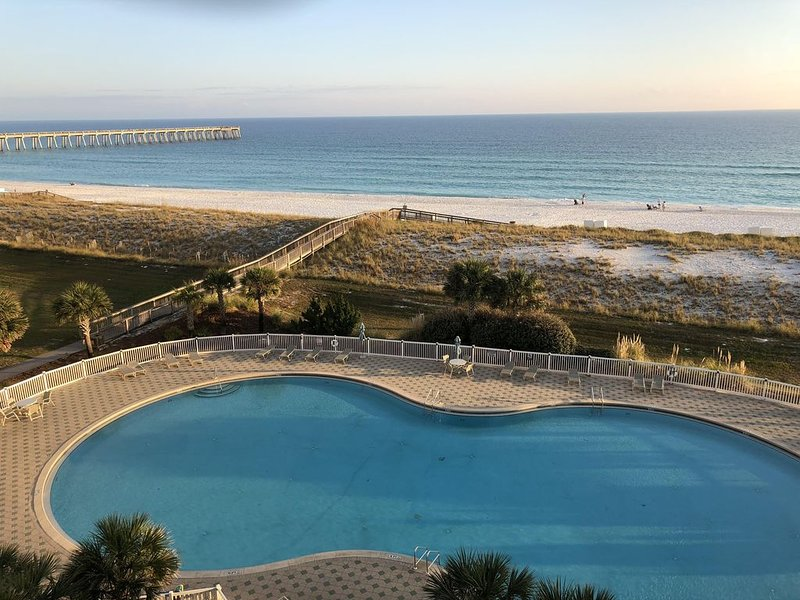 Newly Renovated 3 Bedroom/3 Bath with Panoramic Beachfront View –NOW AVAILABLE!, alquiler de vacaciones en Navarre