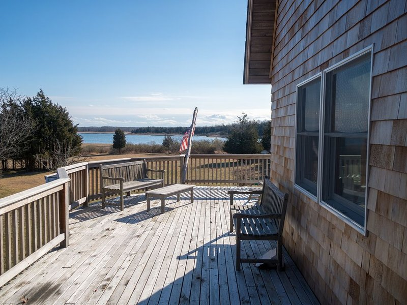 Naturalist Oasis on Accabonac Harbor, holiday rental in Springs