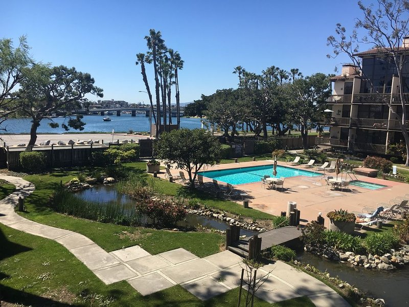 Relaxing Water View Condo- It's not just a vacation rental, it's an EXPERIENCE!, vacation rental in Long Beach
