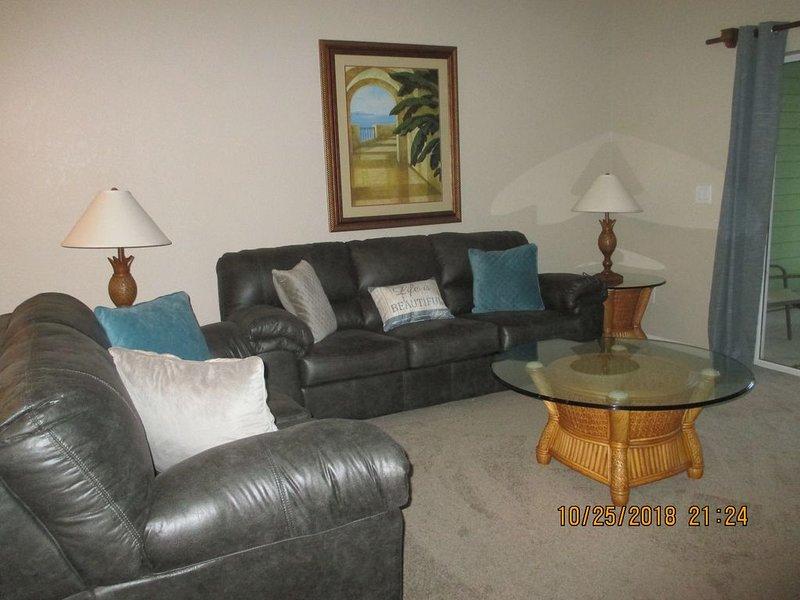 GROUND FLOOR!! 2BR/2BA, Near Disney, Family Friendly Resort, Free WiFi, vacation rental in Davenport