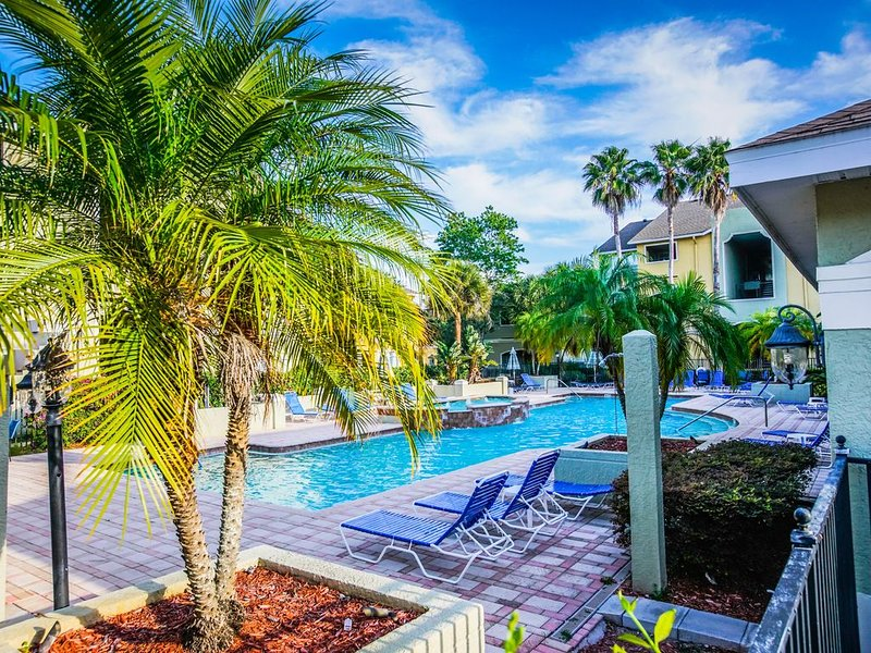 RENOVATED IN 2017  -  1 BEDROOM, 1 BATH, 750 SQ FEET CONDO, vacation rental in Clearwater