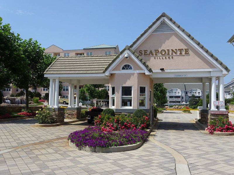 Seapointe Village Diamond Beach NJ - First floor, lobby level location., holiday rental in Wildwood
