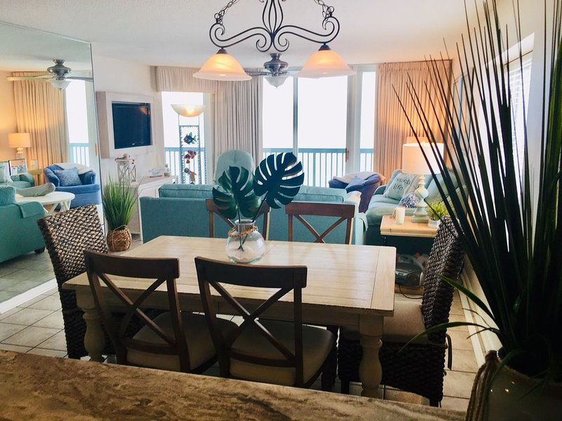 Book Now for Fall!  Beautiful condo, Oceanfront, Top ranked LOCATION!!!, holiday rental in North Myrtle Beach