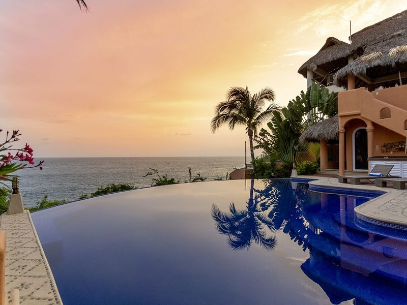 Luxurious Oceanfront Villa - Steps from Manzanillo Beach - Best View in Puerto, vacation rental in Puerto Escondido