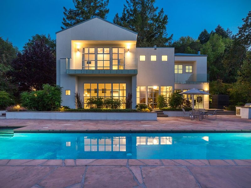 Stunning Contemporary Country Retreat near charming Glen Ellen, location de vacances à Glen Ellen