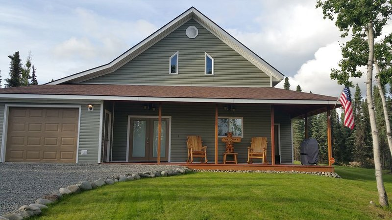 LOW Monthly rates! Brand New 3 Bed/2 Bath. Walk to Kenai river! Close to Bings!, alquiler vacacional en Sterling