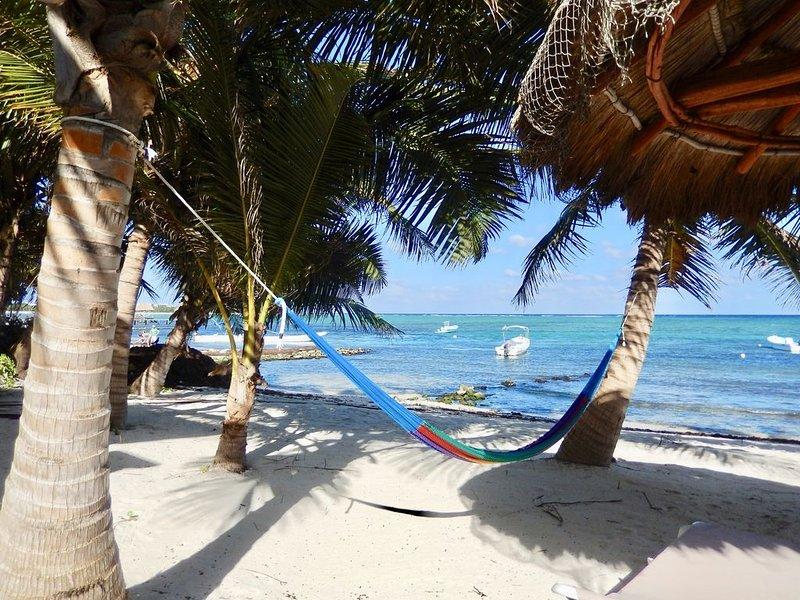 CASA CARACOL OCEANFRONT - CREATE INDELIBLE MEMORIES IN THE MESOAMERICAN REEF!, holiday rental in Tankah Tres