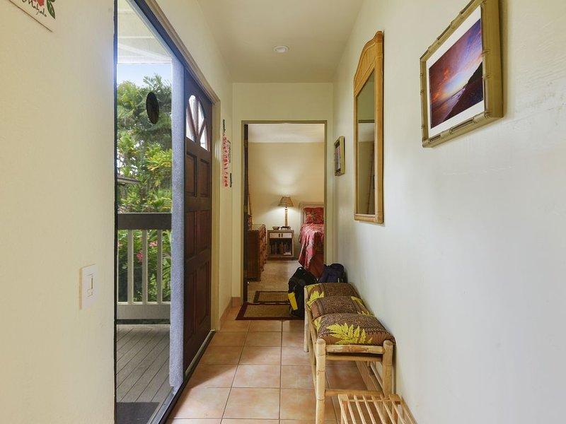 Cute, Peaceful Budget-Minded Studio Condo with Hawaiian Decor, alquiler vacacional en Princeville