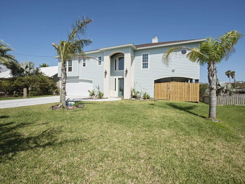 Bay Front Home Perfect for Family Fun Fishing and Water Activities, alquiler de vacaciones en Rockport
