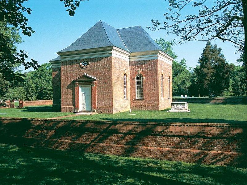 """Église du Christ historique, c. 1735, construit par Robert """"King"""" Carter. Appeler pour des visites."""