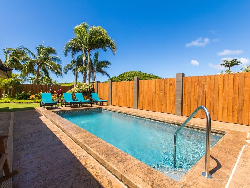 Poipu 4BD, HEATED Pool, AC, next door to 5 star listing #582638, Ferienwohnung in Koloa