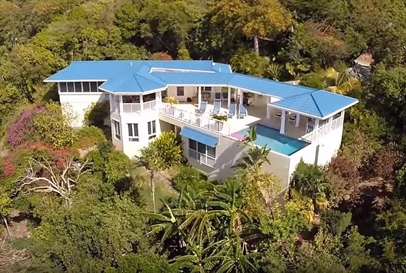 Blue Agave Villa-Dazzling Sunsets. Ocean Views. Pool. Near town. Video in photos, vacation rental in St. John