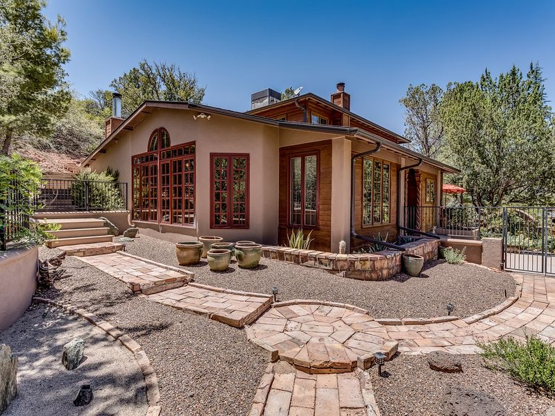 Our Peaceful, Private Zen Home Lets You Relax Or Engage In Any Level Of Activity, vacation rental in Sedona