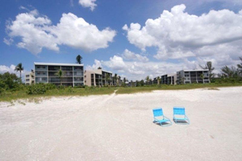Beachfront  Ground floor Corner Unit Instant Full Refund Cancel Anytime you wish, location de vacances à Île de Sanibel