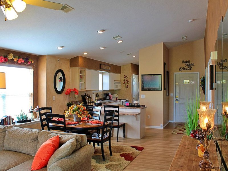 Beautiful and Spacious Condo at Holiday Hills Resort (Indoor Pool & WiFi), holiday rental in Kirbyville