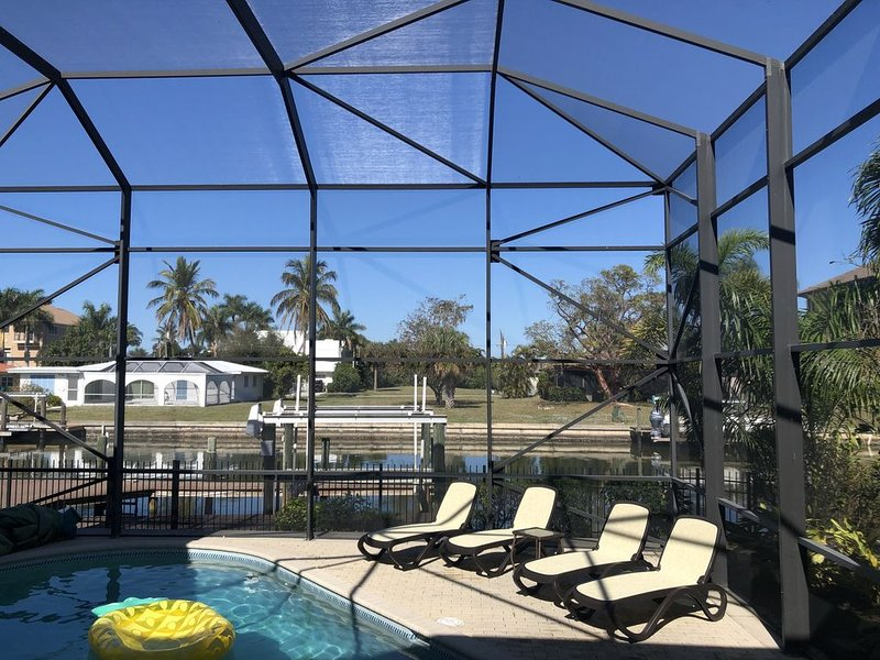 Vanderbilt Beach Naples Waterfront Home Close to Ritz Hotel, holiday rental in Naples