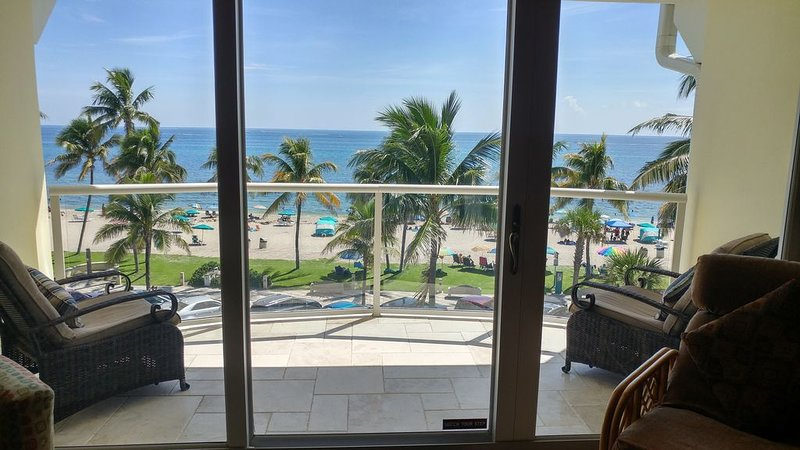BEACH FRONT HAVEN – Ocean View Condo, Deerfield Beach the best of South Florida, vacation rental in Boca Raton