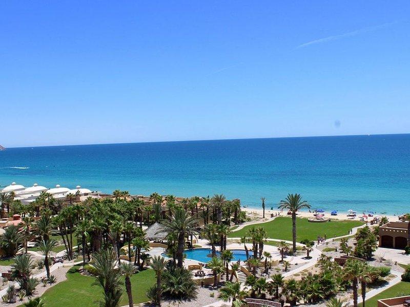Gorgeous Ocean Views--2/2 , Great Decor, Fireplace , King Bed, casa vacanza a Puerto Penasco