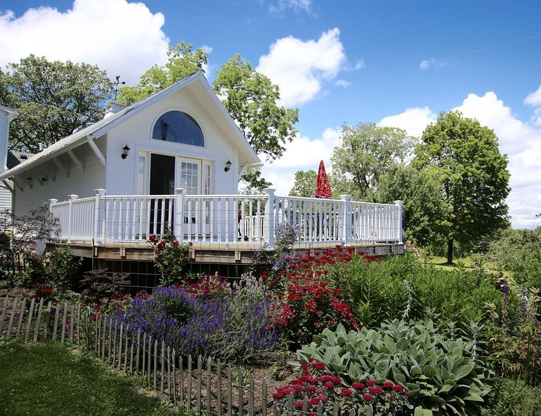 Mallard Cottage, Just For The Two Of You and.......Your Pet!!, location de vacances à Spencer