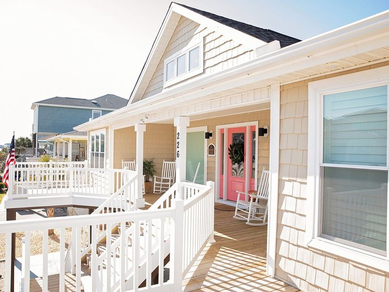 Ocean Isle Lovers- Summer time is calling You!One of a Kind Fully Renovated Find, alquiler de vacaciones en Ocean Isle Beach