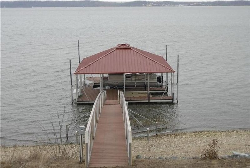 Main Lake View of Ky Lake  with Private  Dock, casa vacanza a Draffenville