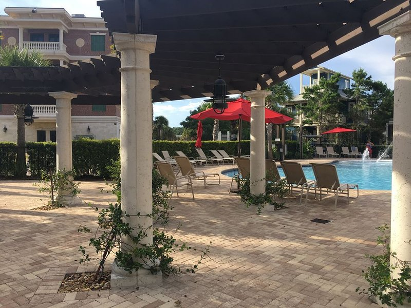 5 STAR LUXURY CONDO W/2KING BEDS *between Rosemary and Alys Beach, holiday rental in Seacrest Beach
