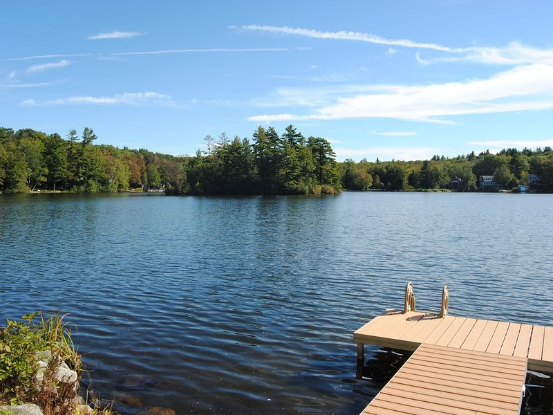 Waterfront Home on Pine Island Lake, vacation rental in Hampshire County