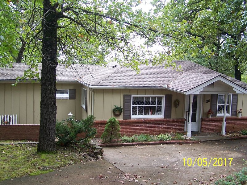 Truman Lakeview Home Getaway, holiday rental in Tightwad
